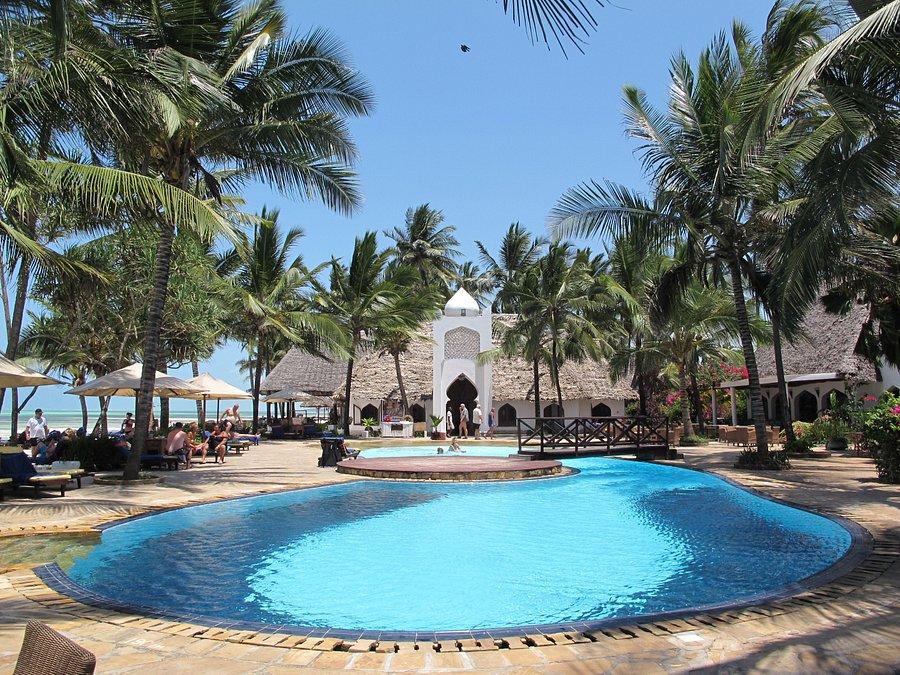 sultan-sands-island-resort